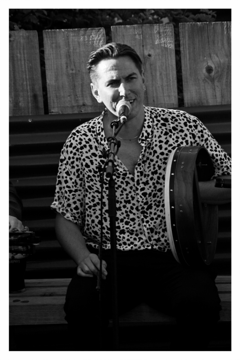 The Mary Wallopers at Levis Corner House, Ballydehob 02 August 2020